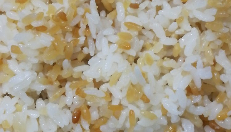 طريقة عمل الأرز حبه وحبه