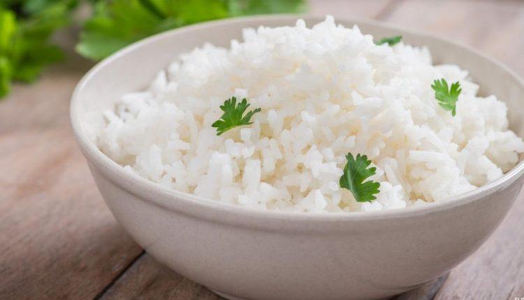 طريقة عمل الأرز الأبيض السادة
