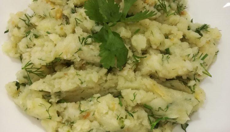 طريقة عمل البطاطس المهروسة بالثوم