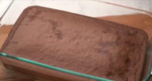 طريقة عمل كيكة الشوكولاته بالصوص