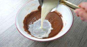 كيكة الحليب الساخن بالشوكولاتة